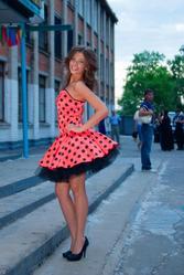 Платье выпускное,  очень яркое и впечатляющее