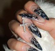 наращу ногти акрилом